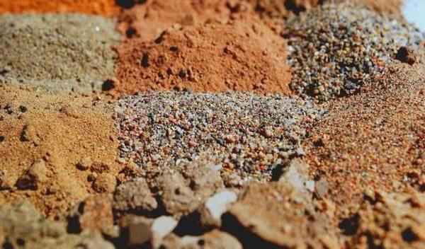 انواع خاک و مواد تشکیل دهنده آنها,خاک رس,مواد تشکیل دهنده خاک ها